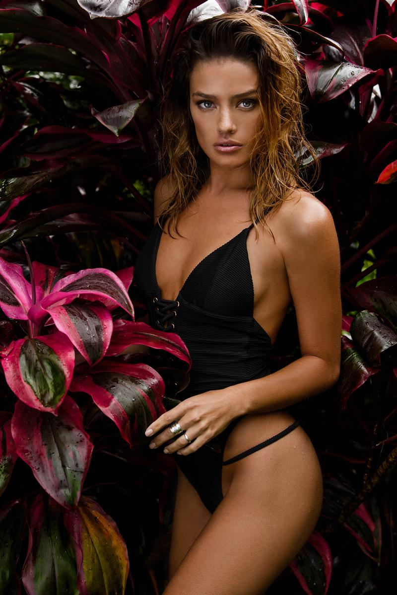jessica lee buchanan photo